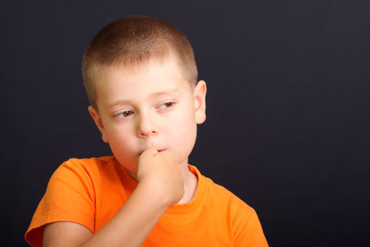دلایل و درمان تیک عصبی در کودکان