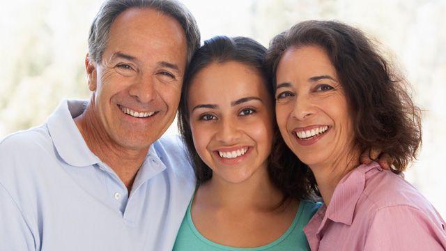 نحوه برقراری ارتباط خانواده با نوجوانان