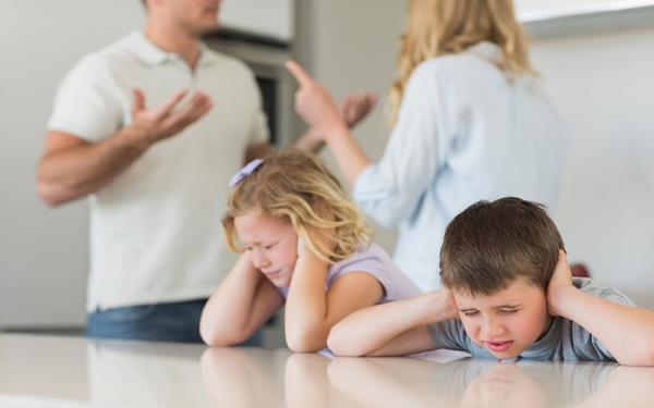 تاثیر دعوای بین والدین بر سلامت فرزندان