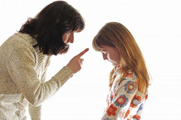 غر زدن و ایراد گرفتن مدام از کودک