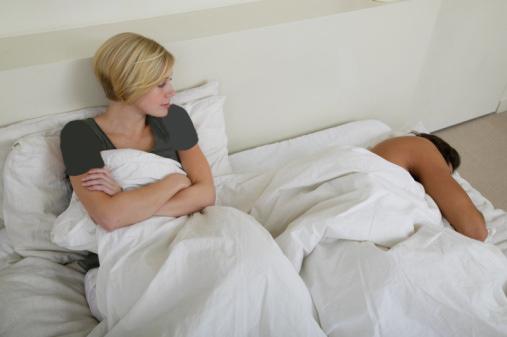 جدایی زن و شوهر در موقع خواب