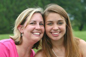 رابطه دوستانه میان مادرها و دخترها