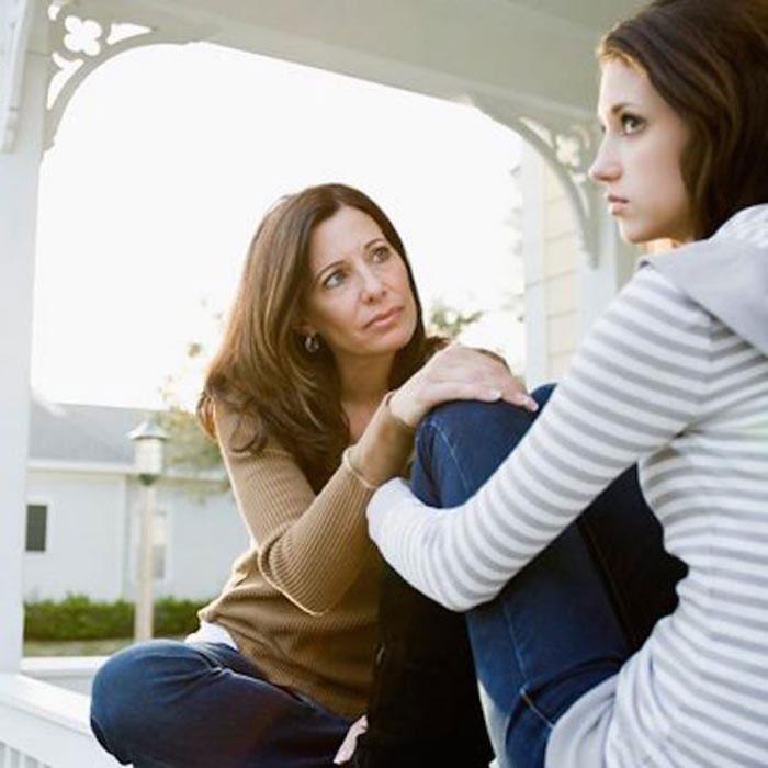 بهبود ارتباط مادر و دختر