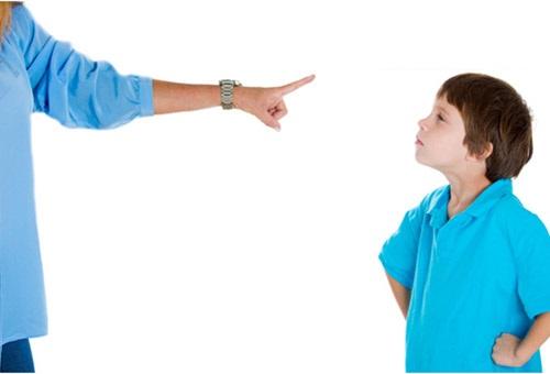 عواقب فریاد زدن بر سر کودکان